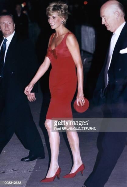 Portrait de la Princesse Diana se rendant à l'exposition Cézanne au Grand Palais le 25 septembre 1995 à Paris France