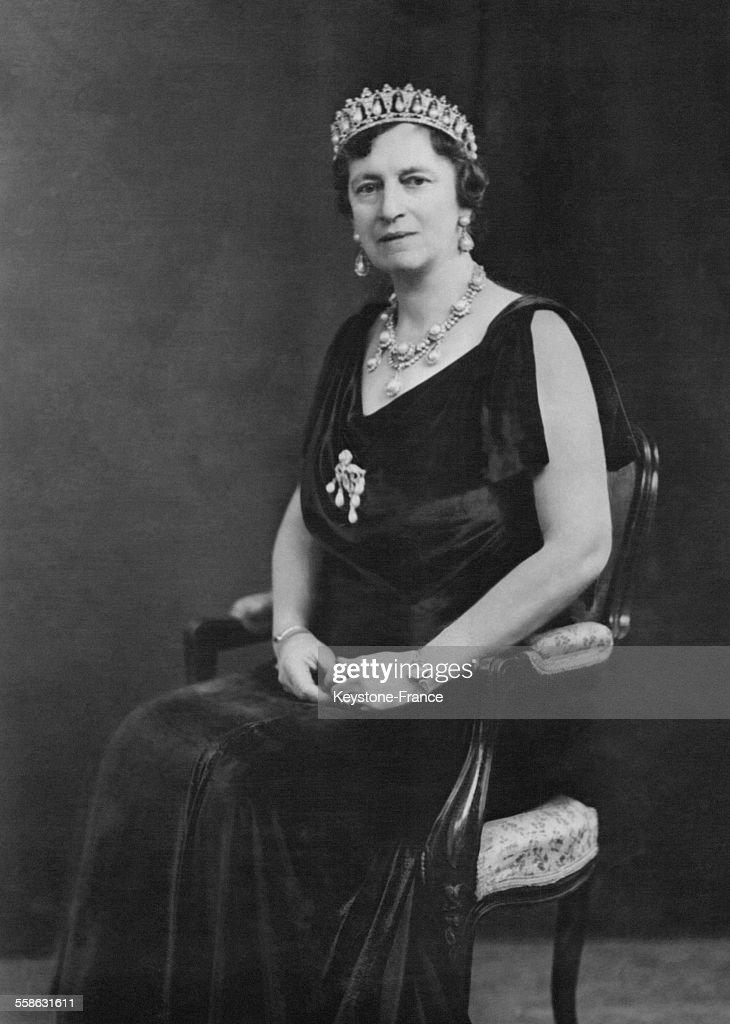 Portrait De La Reine Alexandrine : News Photo