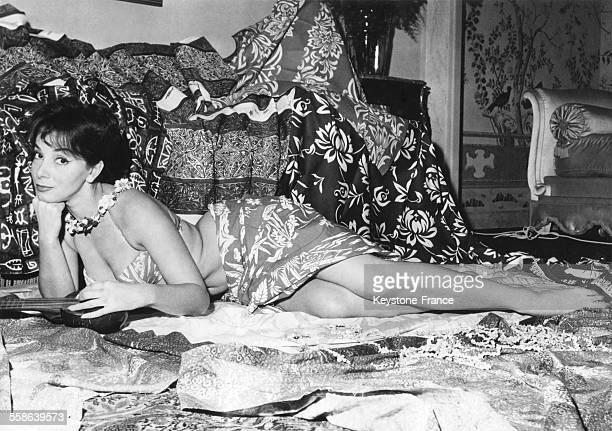 Portrait de l'actrice Andréa Parisy circa 1950