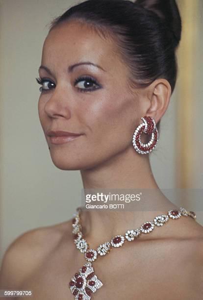 Portrait de l'actrice Claudine Auger circa 1960 en France