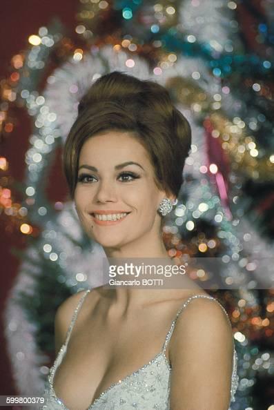 portrait de l u0026 39 actrice claudine auger  circa 1960 en france