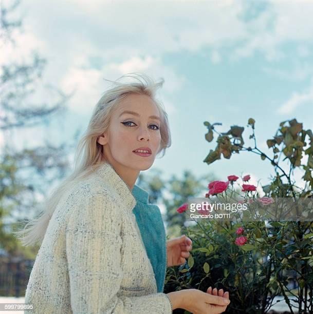 Portrait de l'actrice Estella Blain circa 1960 en France