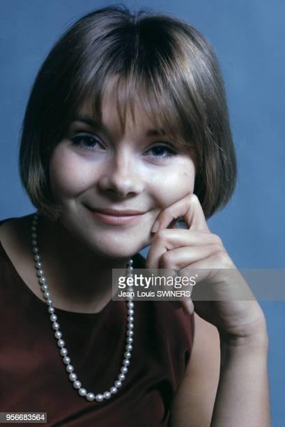 Portrait de l'actrice française Macha Méril en 1964.
