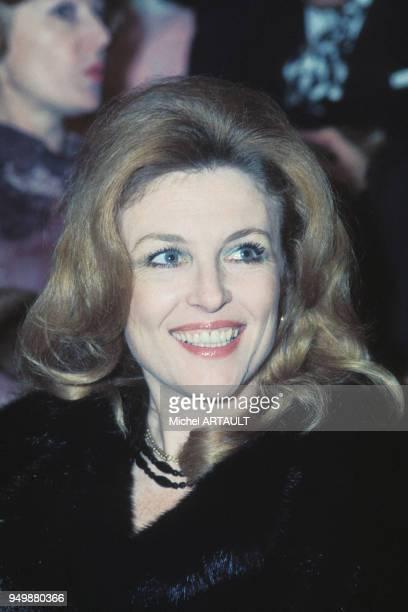 Portrait de l'actrice Nicole Courcel circa 1970 en France