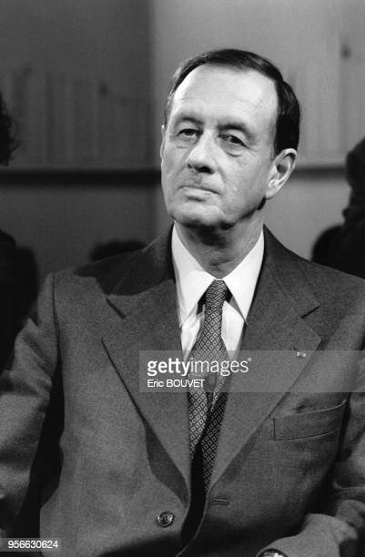 Portrait de l'amiral Philippe de Gaulle invité de l'émission de télévision de Bernard Pivot 'Apostrophes' le 11 novembre 1983 à Paris France