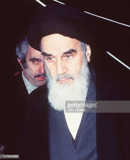 Portrait de l'Ayatollah Khomeiny pris le 18 janvier 1979 à Roissy lors de son départ de France, où il était en exil, pour Teheran. Portrait of the...