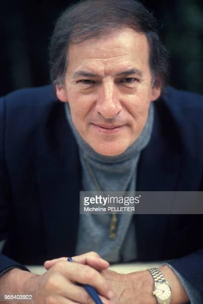 Portrait de l'écrivain Roger Borniche en juin 1982 à Paris France