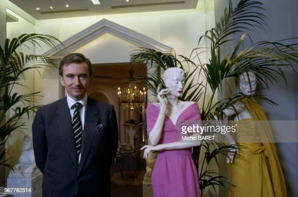 Portrait de l'homme d'affaire français Bernard Arnault dans la maison Dior à Paris le 13 août 1988 France