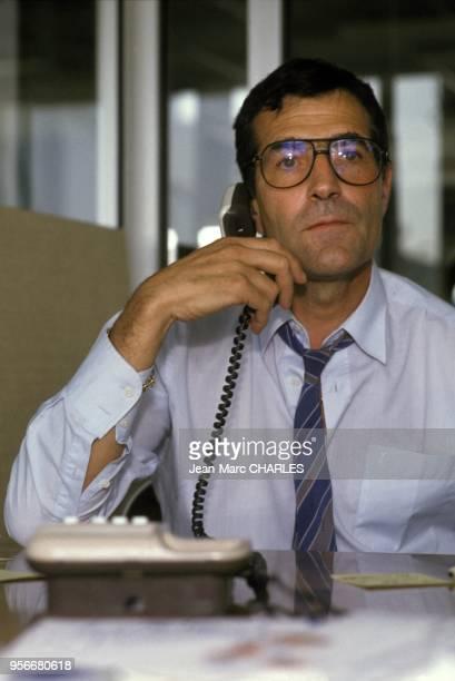 Portrait de l'homme d'affaires Gerard Bourgoin au telephone, en juillet 1989.