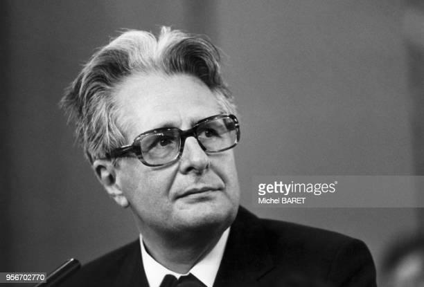 Portrait de l'homme politique allemand HansJochen Vogel en 1986