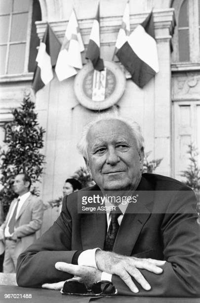 Portrait de l'homme politique français Gaston Defferre lors des ?Dialogues méditerranéens? organisés par le Parti Socialiste à...
