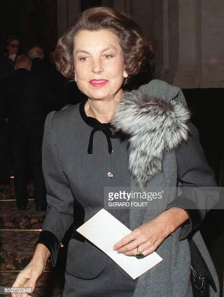 Portrait de Liliane Bettencourt héritière du fondateur du groupe de cosmétiques L'Oréal André Bettencourt pris le 30 novembre 1988 à Paris / AFP...