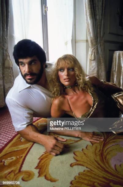 Portrait de Lou Ferrigno culturiste et acteur avec Carla Green en mai 1982 au Festival de Cannes France