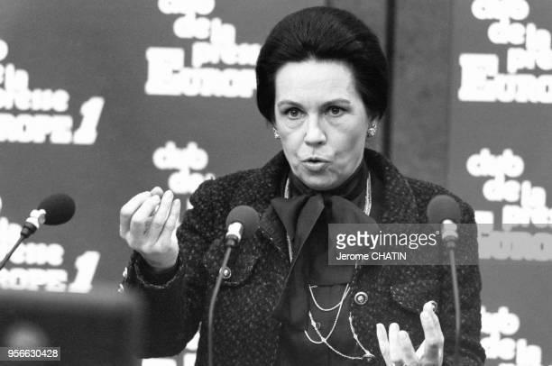 Portrait de MarieFrance Garaud candidate libre du RPR invitée au Club de la Presse sur la radio Europe 1 le 10 janvier 1982 à Paris France