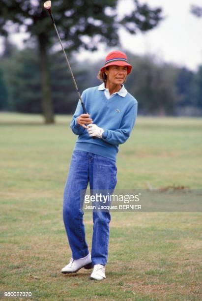Portrait de Micheline ChabanDelmas jouant au golf le 8 septembre 1984 à Deauville France