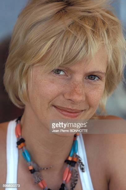 Portrait de Mimsy Farmer actrice lors du tournage du film 'Deux Hommes dans la ville' de José Giovanni en juin 1973 en France