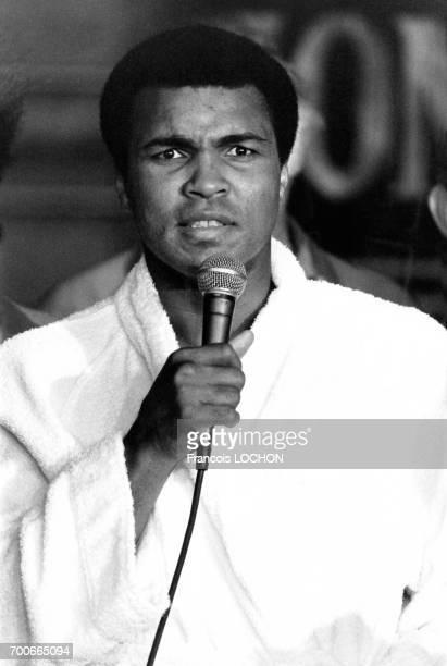 Portrait de Mohamed Ali alias Cassius Clay après sa défaite aux championnats du monde de boxe le 2 octobre 1980 à Las Vegas EtatsUnis