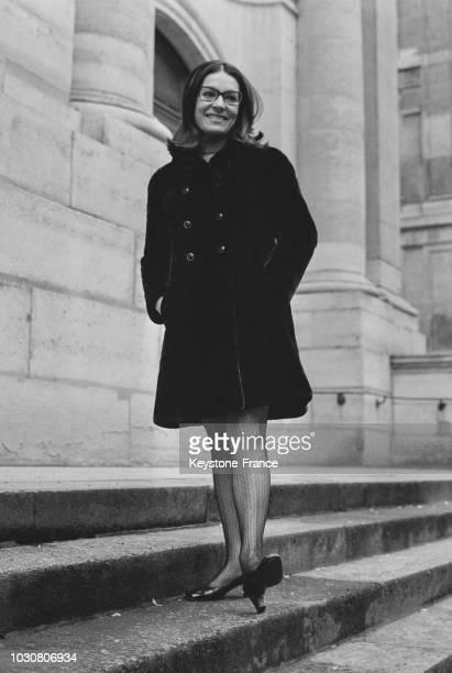 Portrait de Nana Mouskouri en janvier 1969 en France