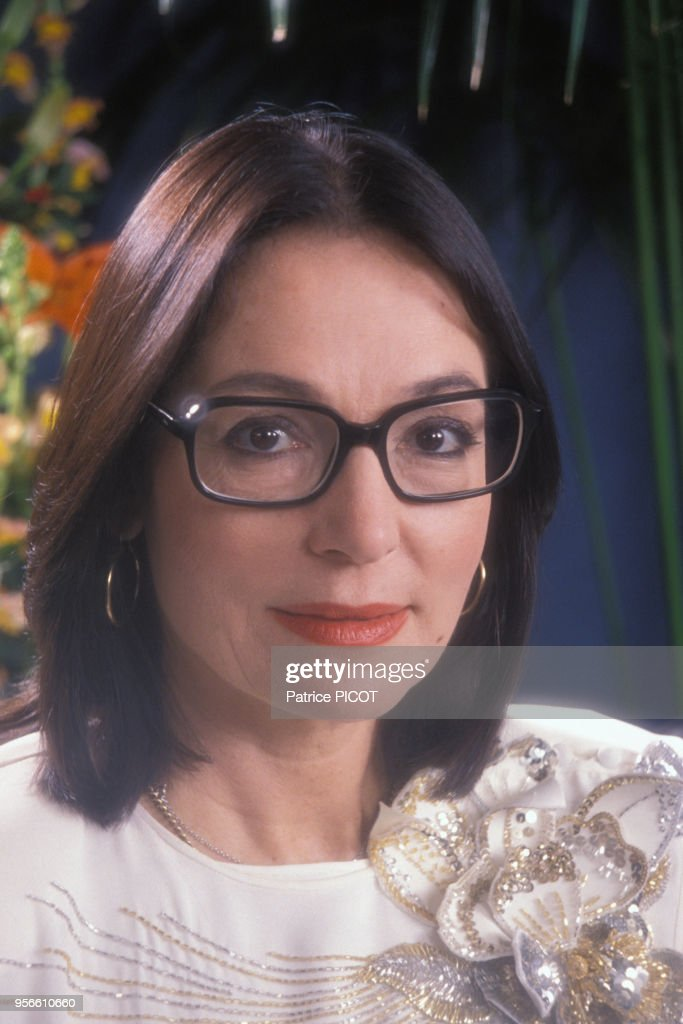Portrait de Nana Mouskouri en 1989 : Photo d'actualité