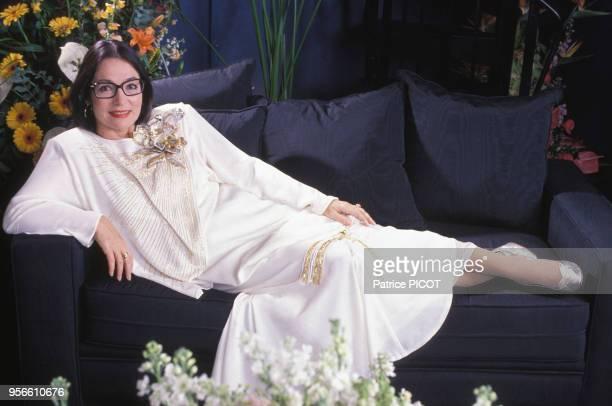 Portrait de Nana Mouskouri le 8 décembre 1989 à Paris France