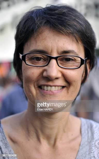 Portrait de Nathalie Arthaud porteparole de Lutte Ouvrière à la manifestation propalestinienne à Paris France le 23 juillet 2014