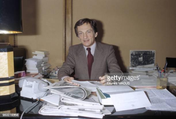 Portrait de Philippe Tesson directeur du 'Quotidien de Paris' dans son bureau en février 1981 à Paris France