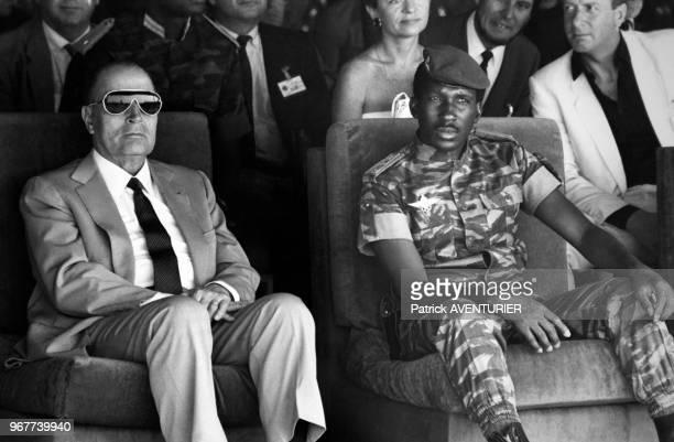 Portrait de Thomas Sankara, président burkinabé et de François Mitterrand, président français lors d'un voyage officiel de ce dernier le 18 novembre...