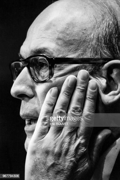 Portrait de Valéry Giscard d'Estaing invité du club de la presse d'Europe 1 le 25 mars 1984 à Paris France