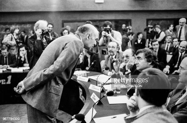 Portrait de Valéry Giscard d'Estaing invité du club de la presse sur Europe 1 le 16 janvier 1983 à Paris France