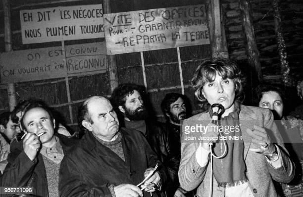 Portrait d'Edith Cresson ministre de l'Agriculture en visite dans le PoitouCharente le 12 décembre 1981 en France