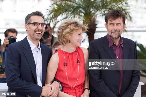 Portrait des acteurs John Turturro, Margherita Buy et du réalisateur Nanni Moretti lors du photocall du film ?Mia Madre' pendant le 68eme Festival du...