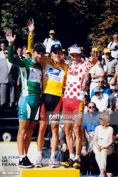 Portrait des cyclistes Erik Zabel, Lance Armstrong et Richard Virenque lors de l'arrivée du Tour de France sur les Champs-Elysées le 25 juillet 1999...
