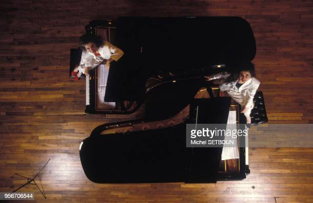 Portrait des soeurs pianistes Marielle et Katia Labeque
