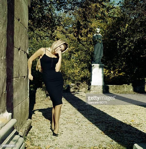 Portrait d'Irène Tunc, actrice, circa 1960, en France .