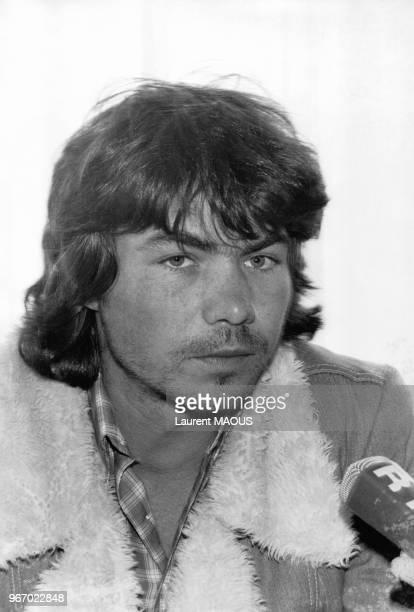 Portrait du chanteur Daniel Guichard le 15 mars 1977 à Paris France