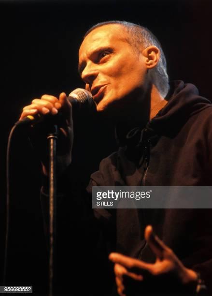 Portrait du chanteur Mano Solo en concert au Printemps de Bourges en avril 1999 à Bourges France