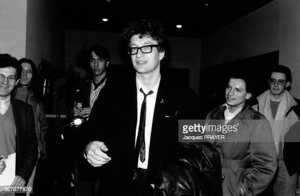 Portrait du cinéaste Wim Wenders invité à la Cinémathèque pour son cinquantième anniversaire le 13 janvier 1986 à Paris France
