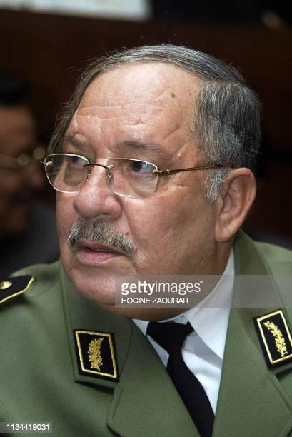 Portrait du généralmajor Gaïd Salah commandant des forces terrestres algériennes pris le 04 novembre 2004 à Alger