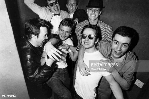 Portrait du groupe de chanteurs anglais Madness le 27 mars 1980 à Paris France