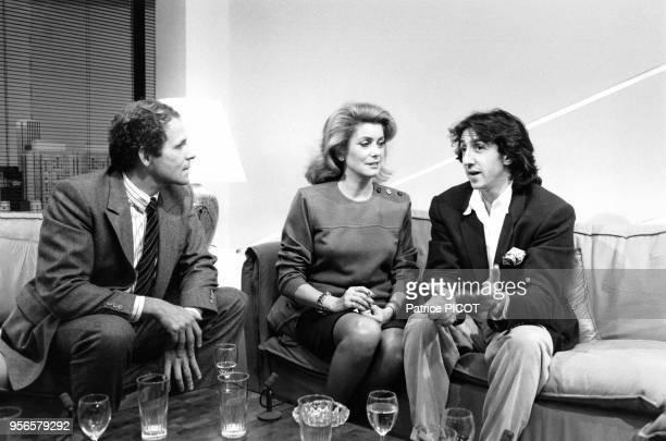Portrait du journaliste Patrick Poivre d'Arvor de l'actrice Catherine Deneuve et du comédien Richard Anconina lors du lancement de la chaîne de...