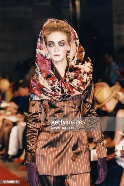 Portrait du mannequin Chrystèle SaintLouis Augustin portant une ensemble pantalon au défilé de hautecouture JeanPaul Gaultier pour la collection...