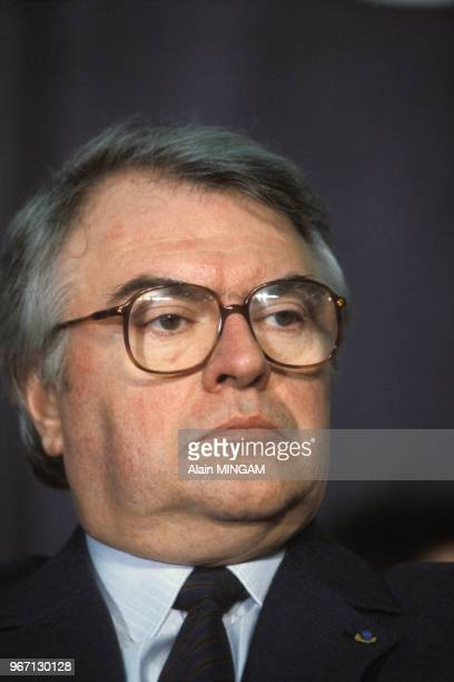 Portrait du Premier ministre Pierre Mauroy le 23 octobre 1983 à Bourg-en-Bresse, France.