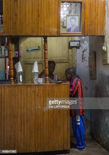 Portrait du president Isaias Afewerki dans un bar le 2 mars 2013 a Massawa Erythree