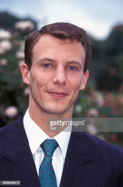 Portrait du prince Joachim de Danemark lors du baptême de la rose 'Flora Danica' au parc de Bagatelle en juin 1995 à Paris France