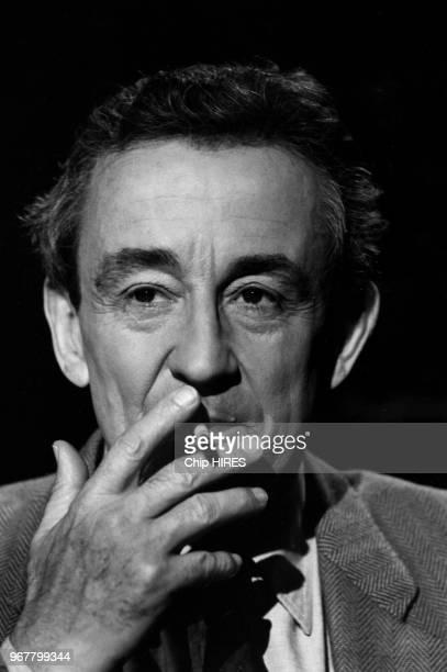 Portrait du réalisateur français Louis Malle invité de l'émission de télévision 'Sept sur Sept' le 27 septembre 1987 à Paris France