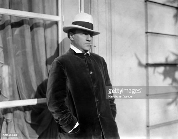 Portrait du realisateur metteur en scene scenariste et acteur francais Sacha Guitry en 1927 a Paris France