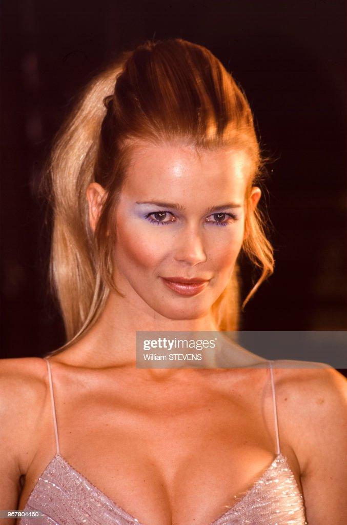 Portrait du top-model Claudia Schiffer : News Photo