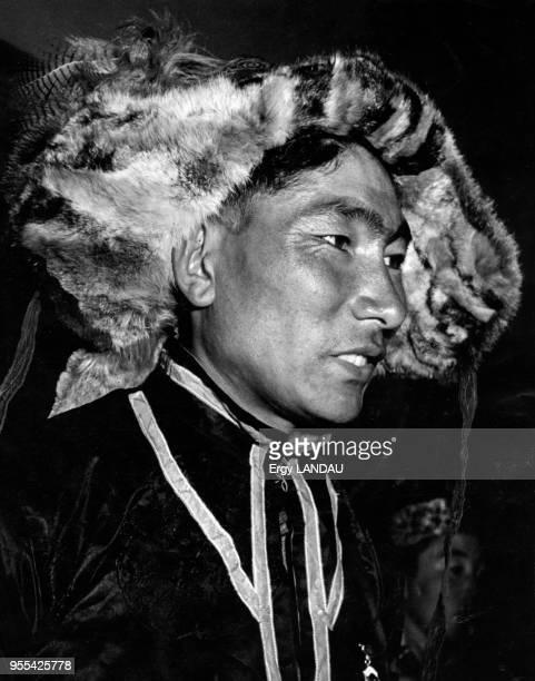 Portrait d'un chaseur à OulanBator Mongolie