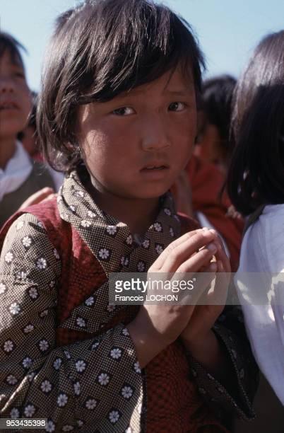 Portrait d'un enfant tibétain en mars 1977 en Inde.