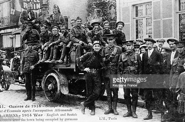 Portrait d'un groupe de soldats anglais et écossais à Amiens France circa 1914